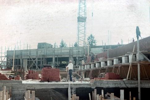 Michaelskirche beim Bau